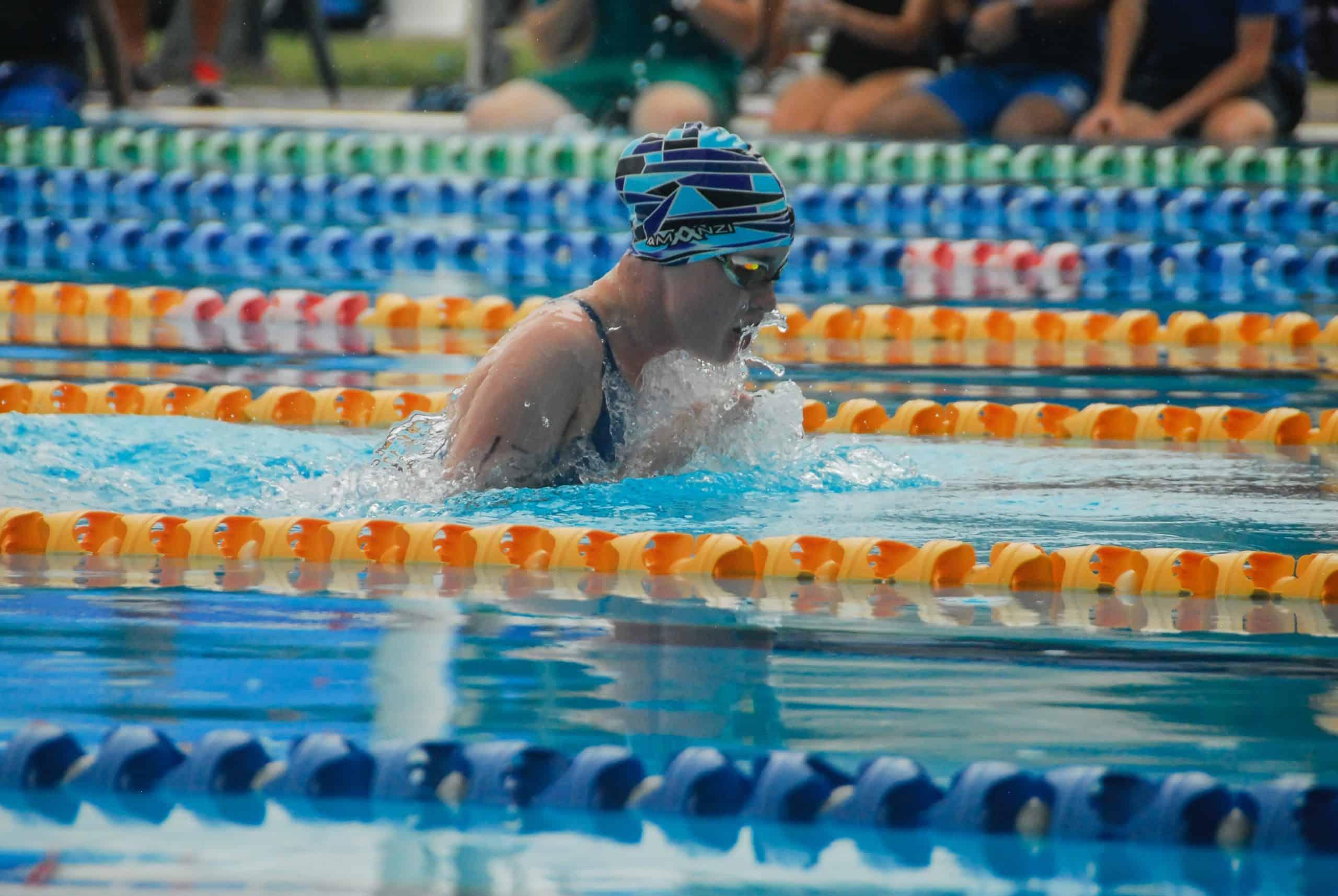 lunettes de natation pendant la nage